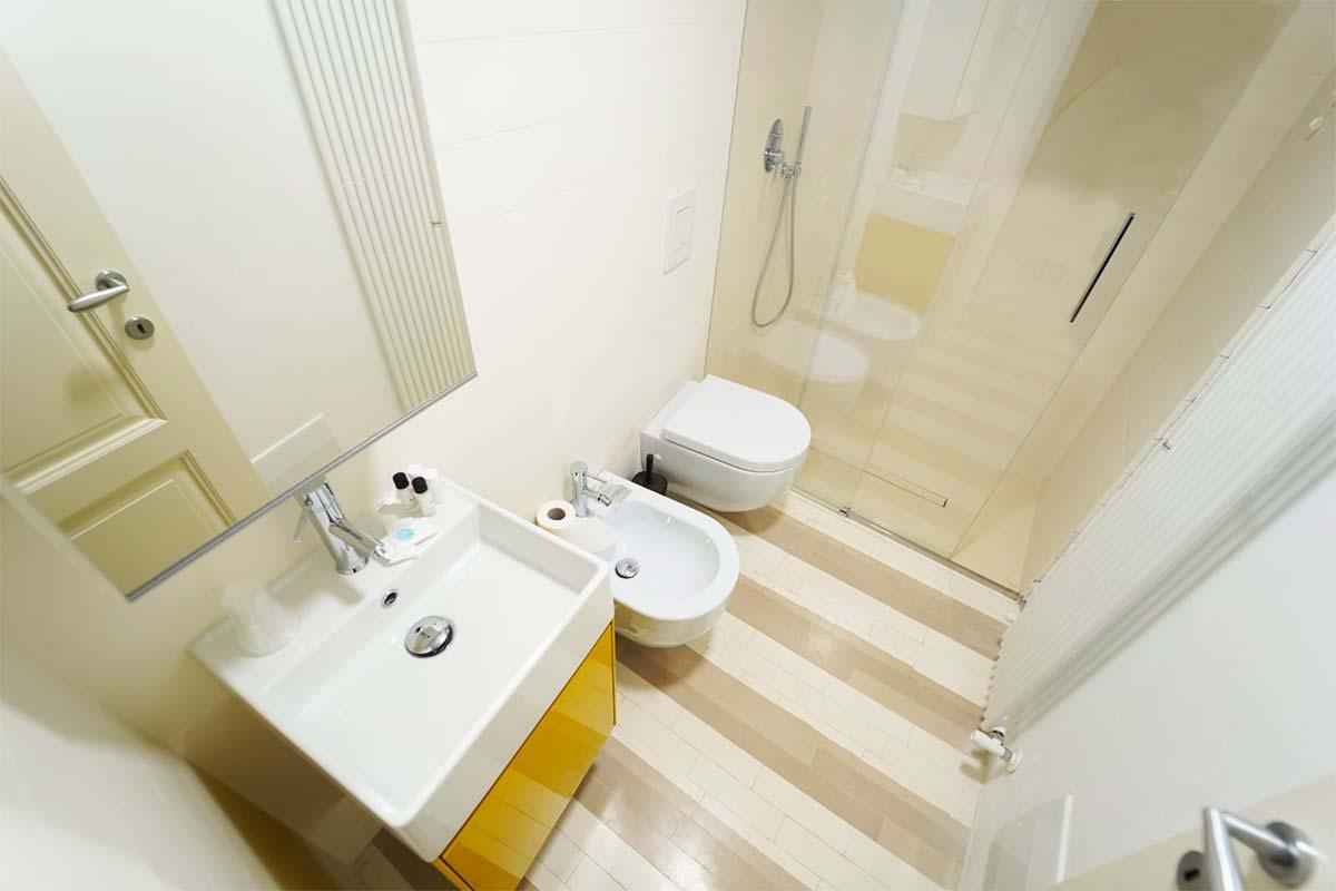 camera-idris-8-bagno-sassolino-dimora-storica-bed-and-breakfast-sassi-di-matera